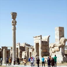 تحقیق عوامل جذب گردشگران خارجی به آثار تاریخی ایران